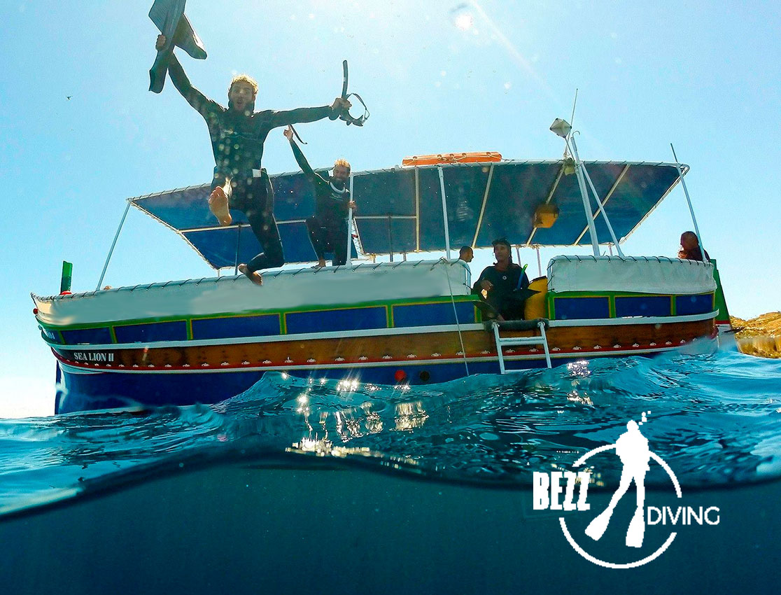 bezz-diving-boat
