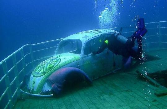 Under Water Hippy Car Malta2